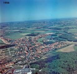 Tarup 1956. Jernbanen ved Snapind Station nederst.