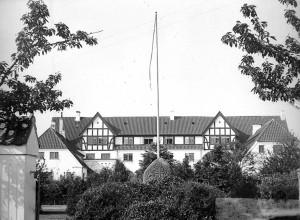 1-1927