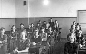 1-1937