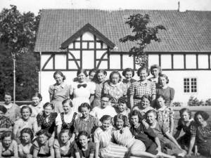 12-Pigehold i 1940