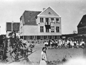 Bag skolen på Jernbanevej