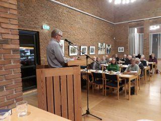 Lars Lysholm aflægger beretning.